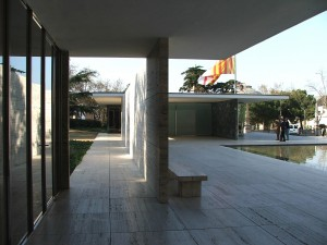 Colour photograph showing a General View, from within, of the 1929 Barcelona Pavilion - a Master Statement of Modern Architecture - designed by German Architect, Ludwig Mies van der Rohe (1886-1969). De-constructed in early 1930 after the Barcelona International Exposition, it was constructed again in 1986. Click to enlarge. Photograph taken by CJ Walsh. 2009-03-20.