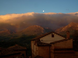 Spectacular Dawn over Amandola (FM), in Italy - 28 April 2013